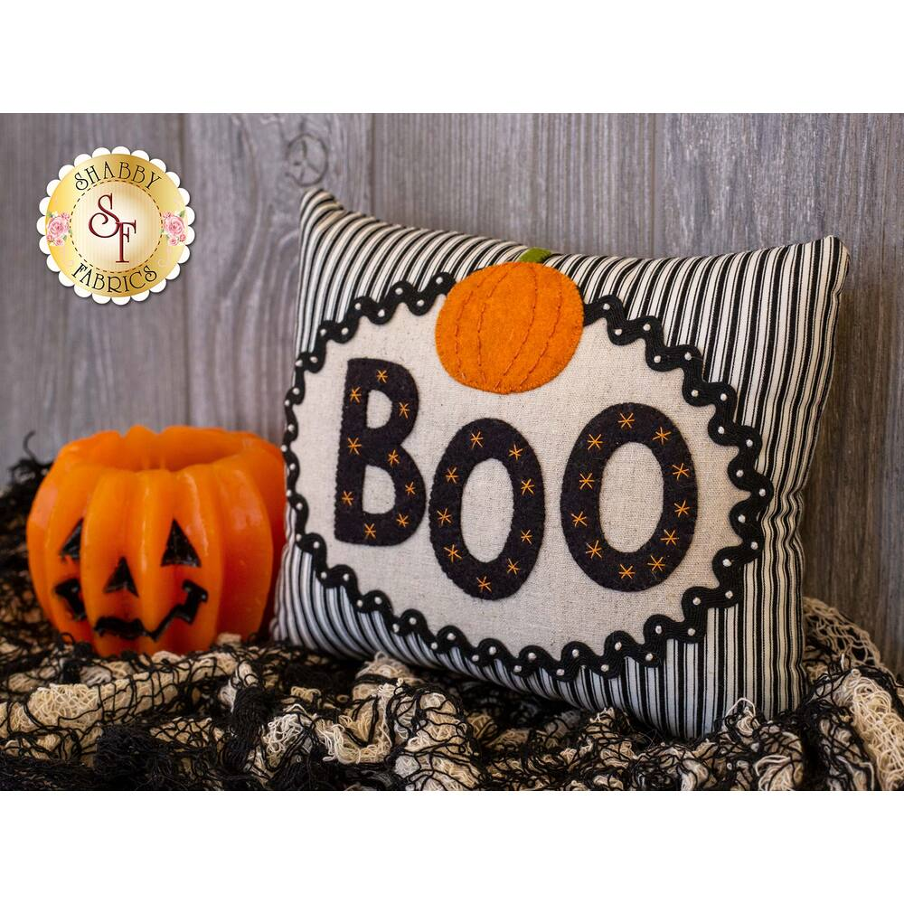 Little Halloween Pillow Kit - BOO by Barri Sue Gaudet