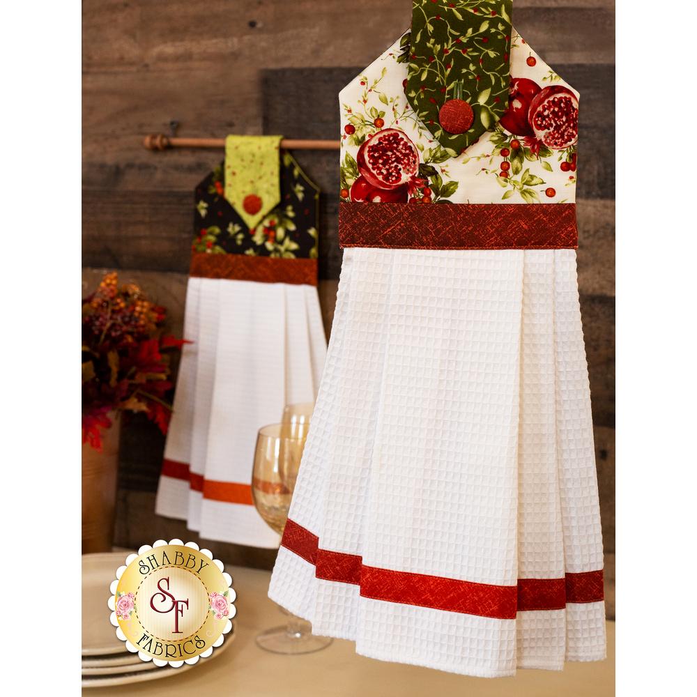 Bountiful Hanging Towel | Shabby Fabrics