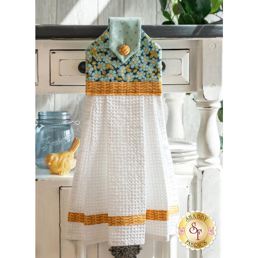 Hanging Towel - Sunlit Blooms - Blue | Shabby Fabrics