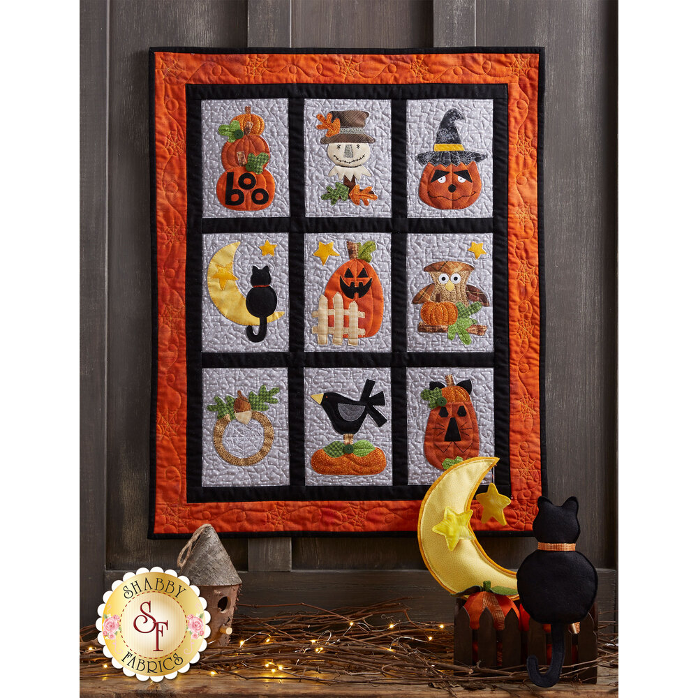 Happy Halloween Wall Hanging | Shabby Fabrics