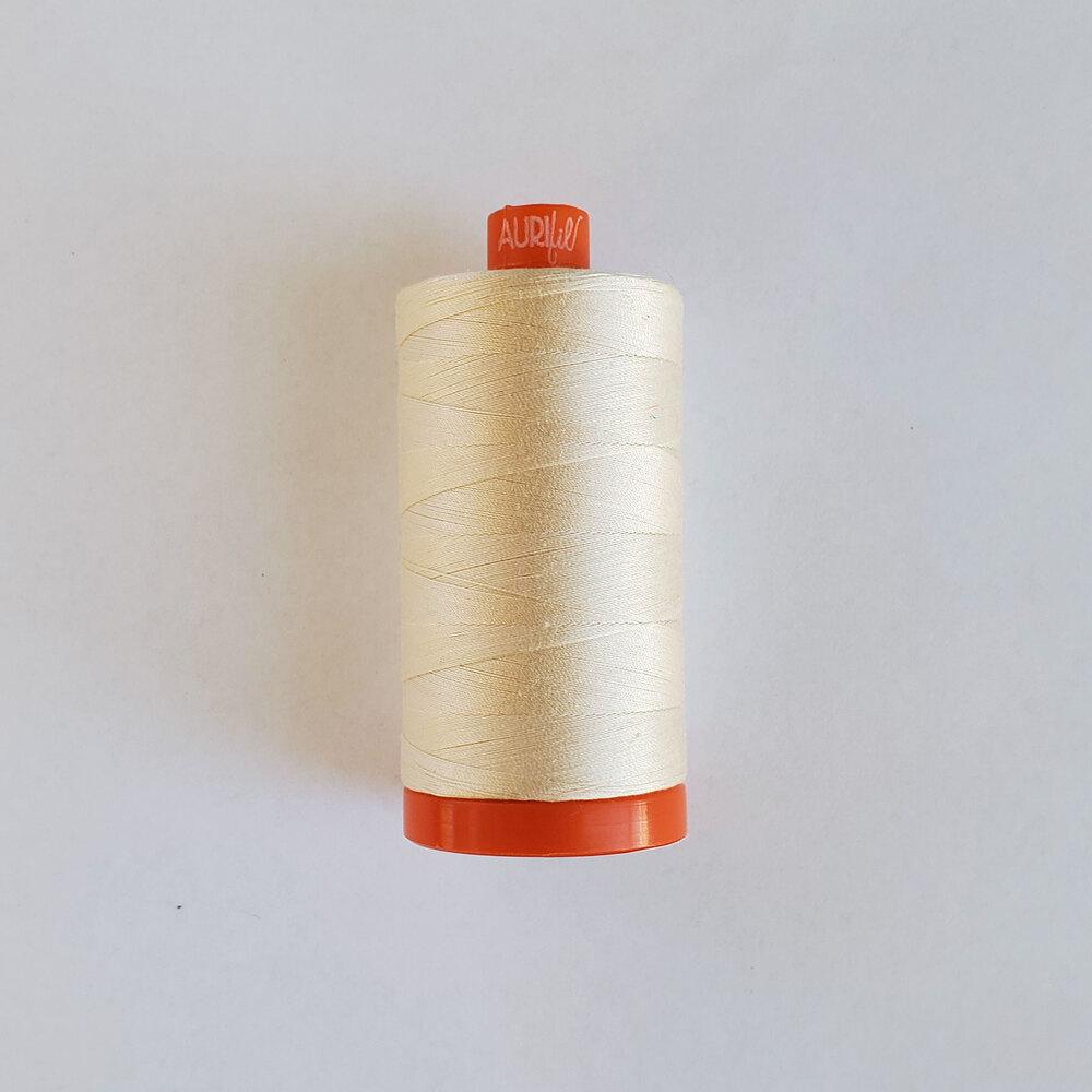 Mako Cotton Thread - Chalk - 1422yds | Shabby Fabrics