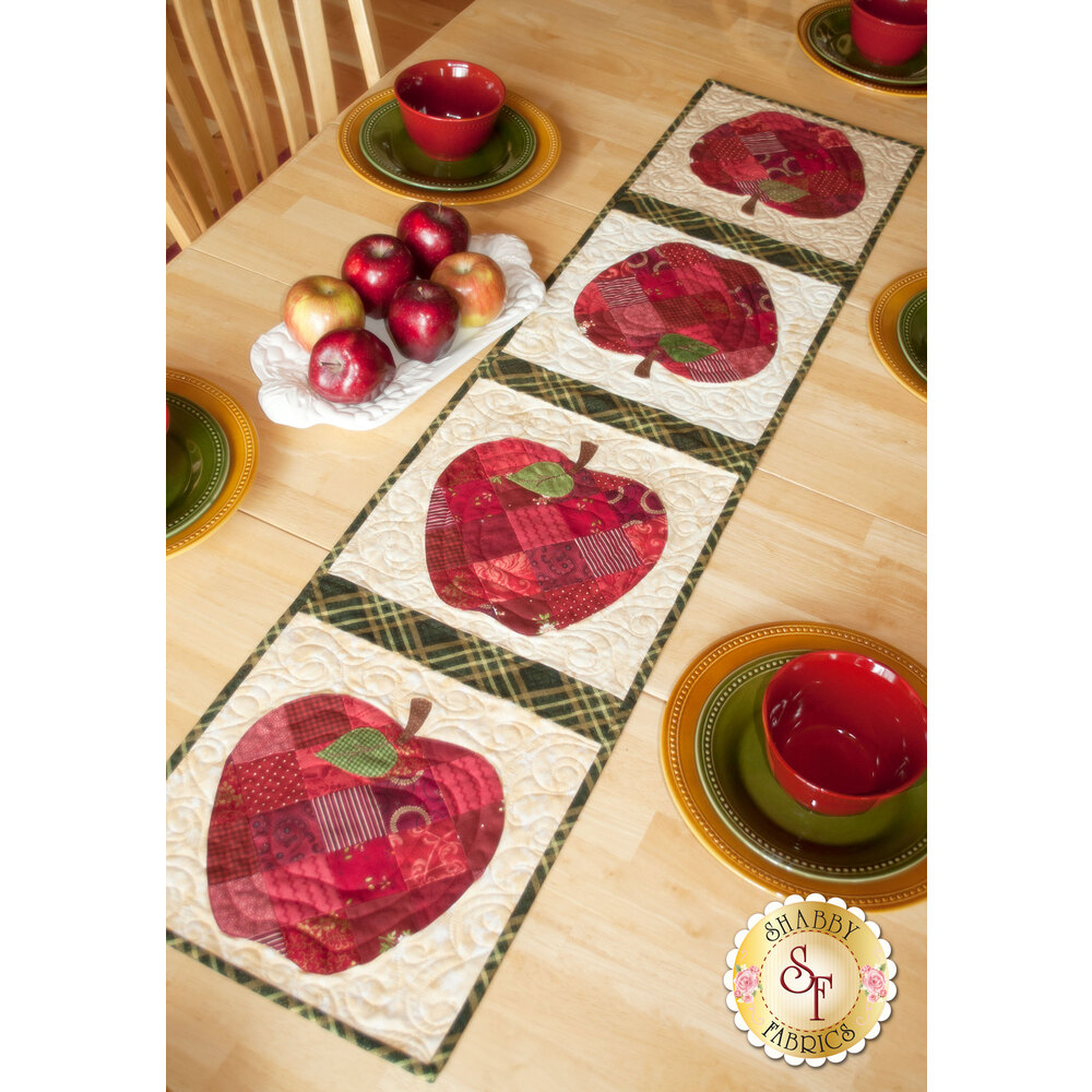 Patchwork Apple Table Runner Kit