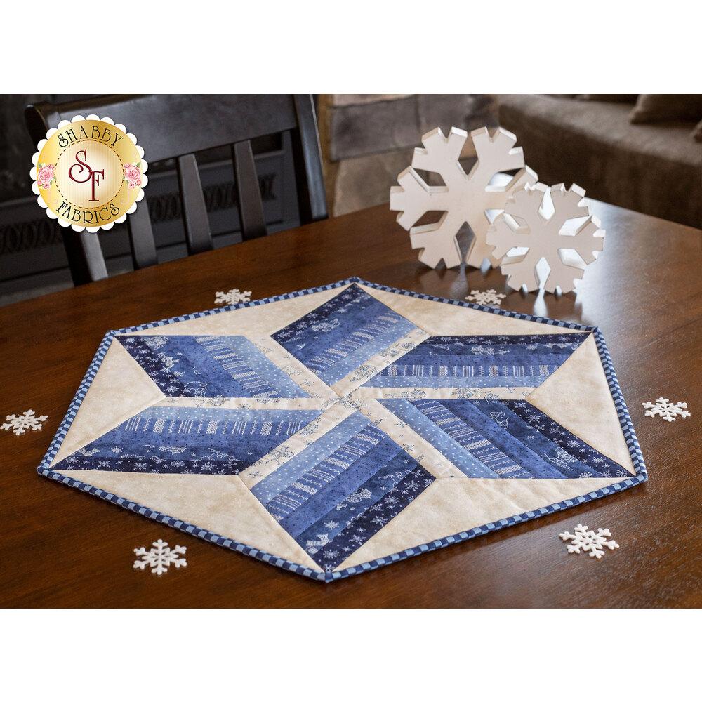 Roly Poly Snowmen Table Topper Shabby Fabrics