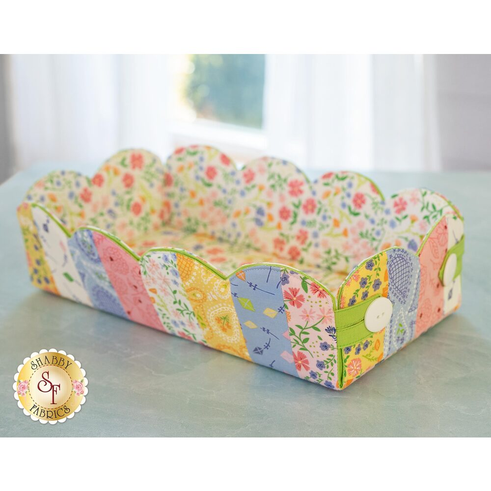 The adorable Scalloped Basket made with the Sunday Picnic fabric collection | Shabby Fabrics