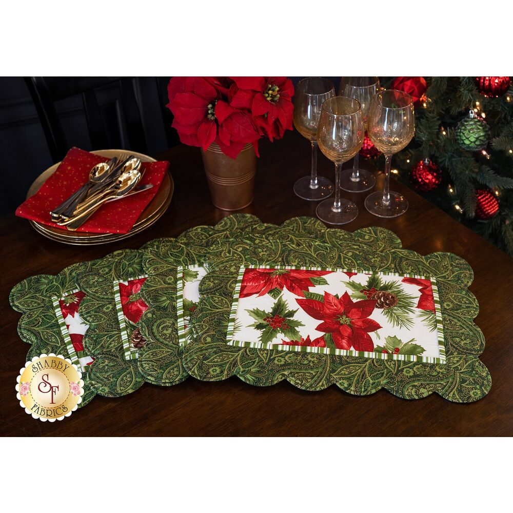 Scalloped Placemats Kit - Glad Tidings - Green (Makes 4)
