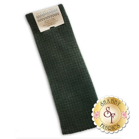 Hand Dyed Wool PRI 5026 Holly Houndstooth by Primitive Gatherings for Moda Fabrics