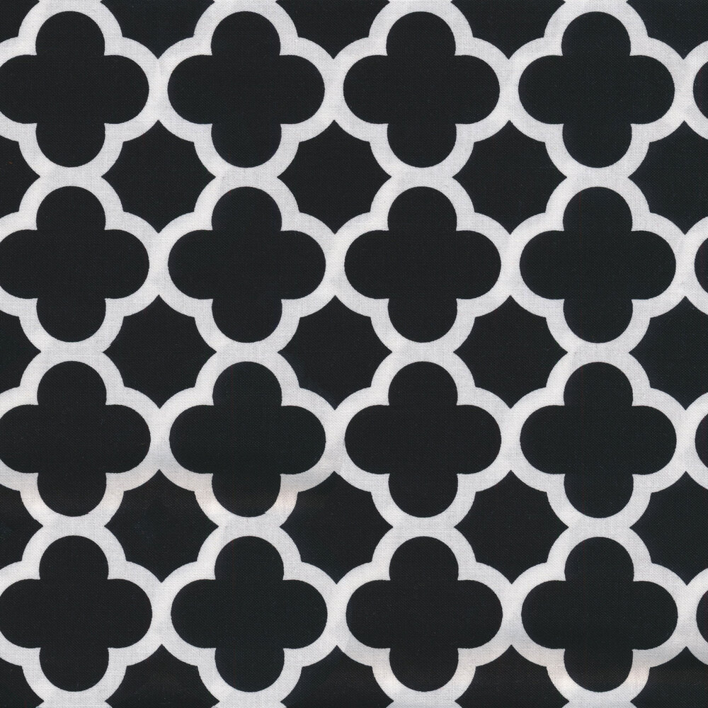 Quatrefoil on black | Shabby Fabrics