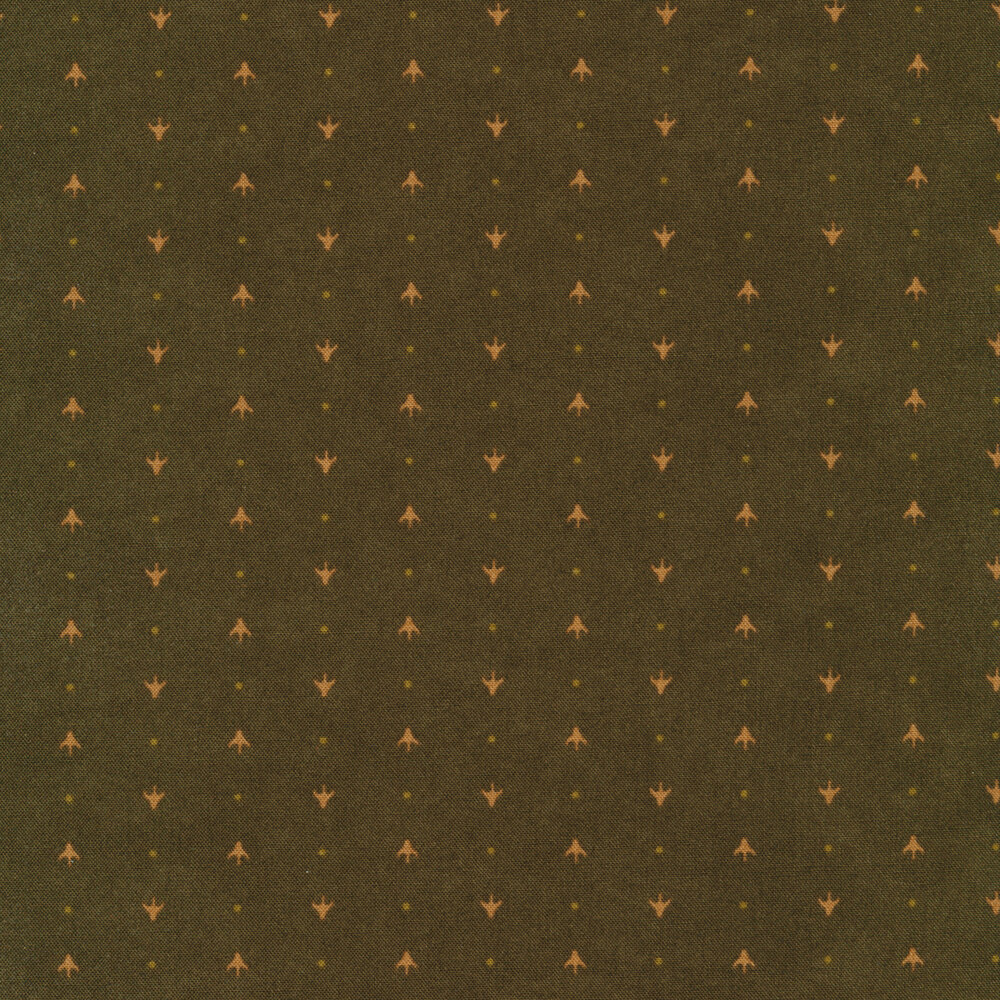 Alternating arrows and dots on a dark green mottled background   Shabby Fabrics