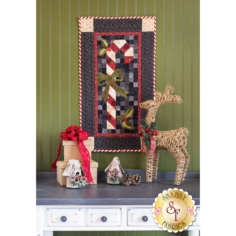 Vintage Candy Cane Wall Hanging Kit - INCLUDES WOOL! - Shabby Fabrics