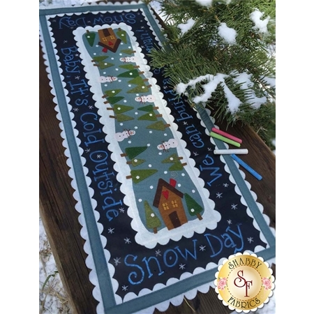 Snow Day Chalkcloth Runner Pattern