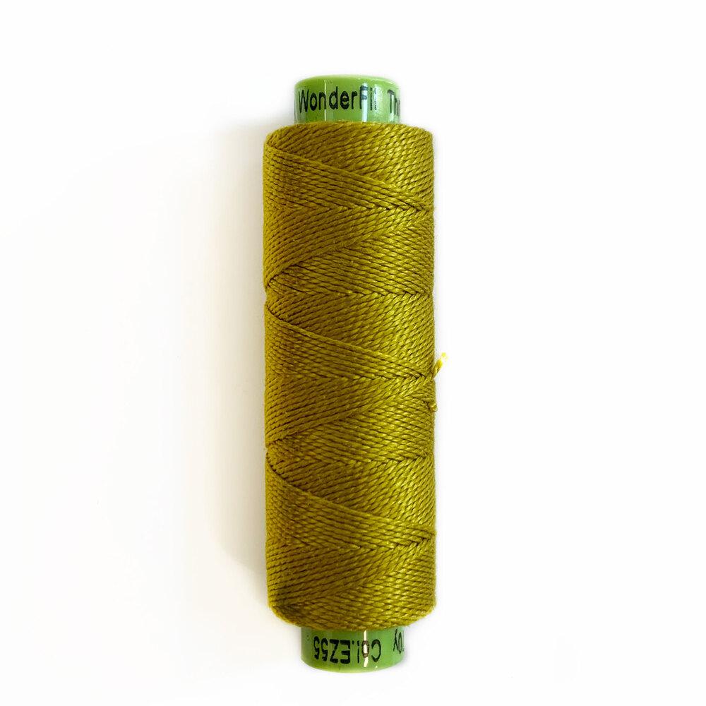Spool of green Eleganza Thread EZ55 Love-In-A-Puff | Shabby Fabrics